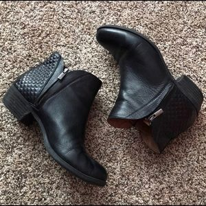 LUCKY BRAND Ankle Boots Booties Black Quilted 10